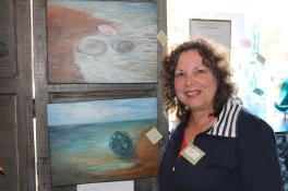 Artist Linda Trexler came in with wet tresses....