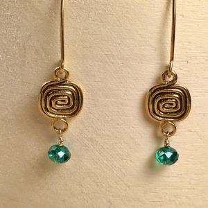 gold-plated-celtic-swilrl-and-emerald-s